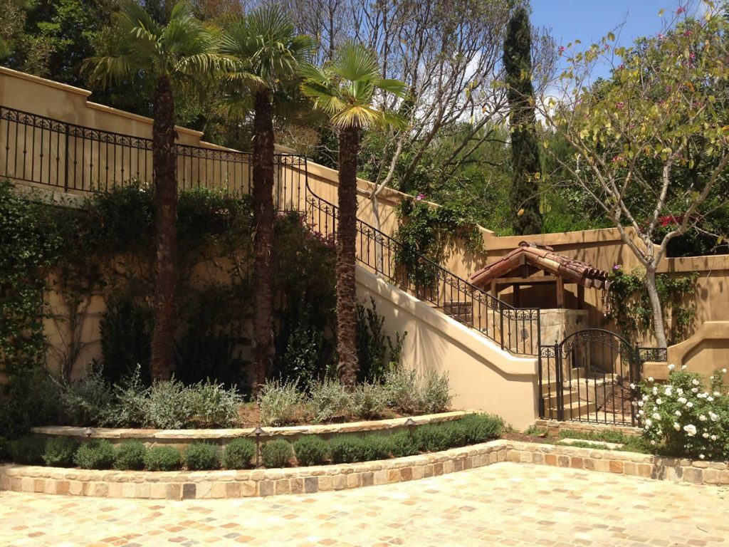 Valrico-Tampa Bay FL Outdoor Living & Designs-We offer Landscape Design, Outdoor Patios & Pergolas, Outdoor Living Spaces, Stonescapes, Residential & Commercial Landscaping, Irrigation Installation & Repairs, Drainage Systems, Landscape Lighting, Outdoor Living Spaces, Tree Service, Lawn Service, and more.